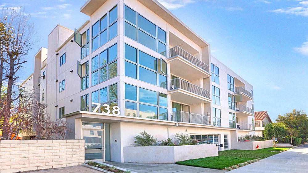 738 Ogden Apartment Exterior